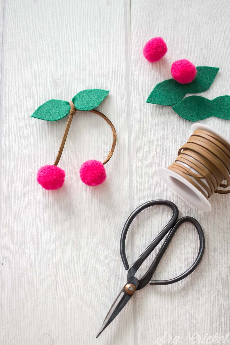 cerezas de fieltro diy